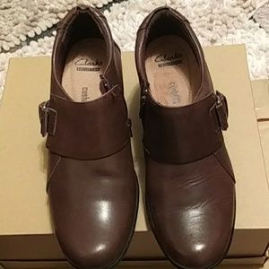 NWOT Clark's leather dress boots